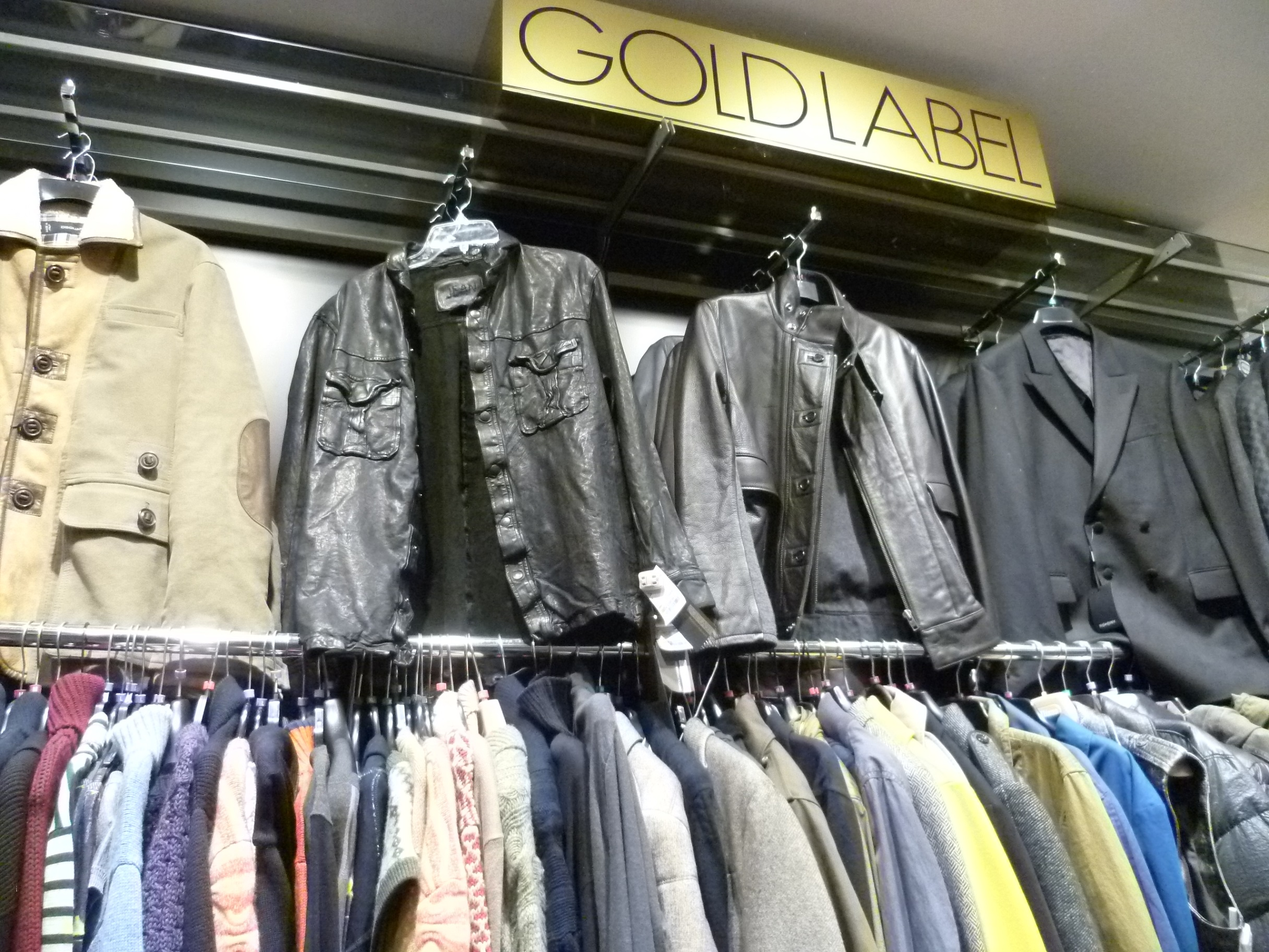 TKMaxx - gold label display