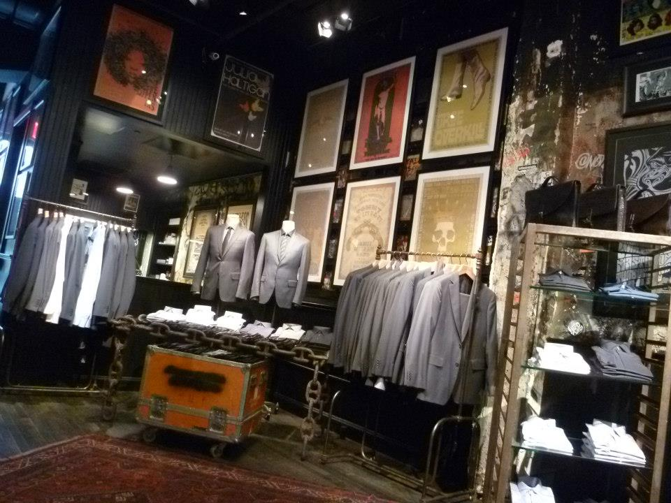 varvatos-distressed-display