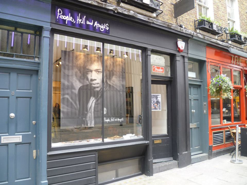 jimi-hendrix-pop-up-store-exterior