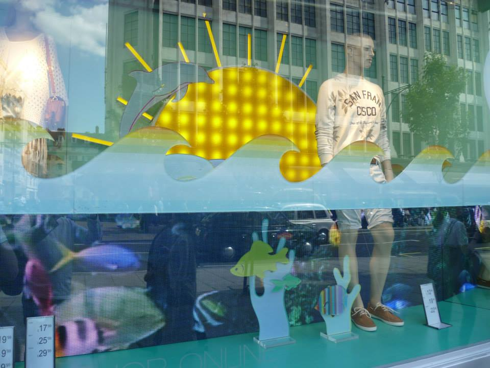 pull-and-bear-underwater-window-shoals