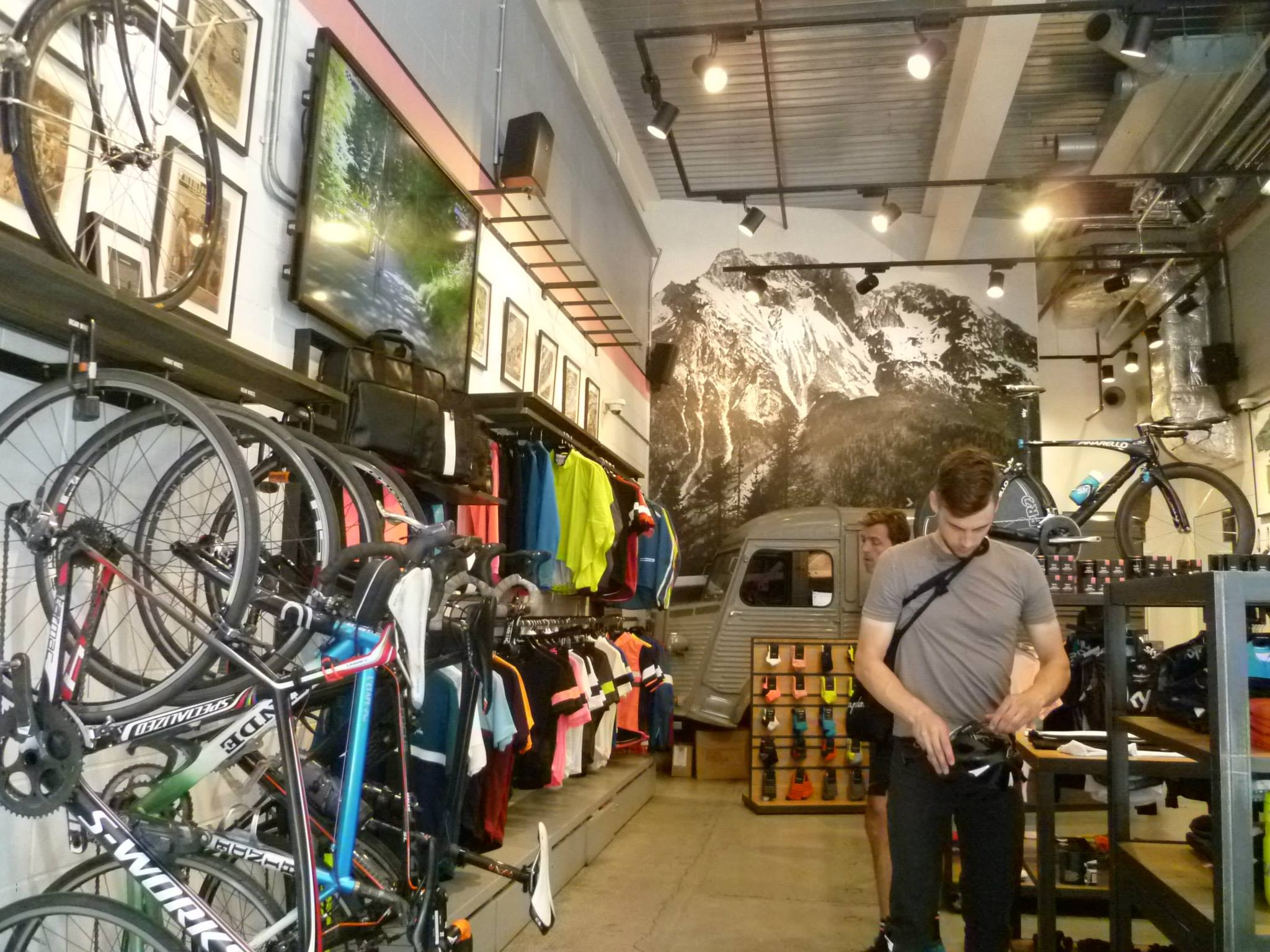 rapha-cafe-culture-cycling-centre