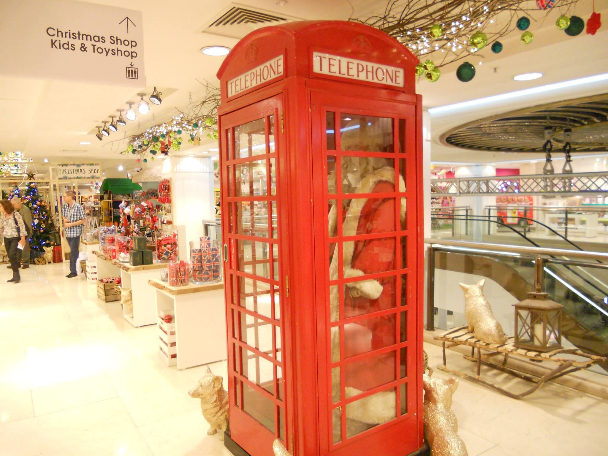 selfridges-winter-wonderland-santas-phonebox