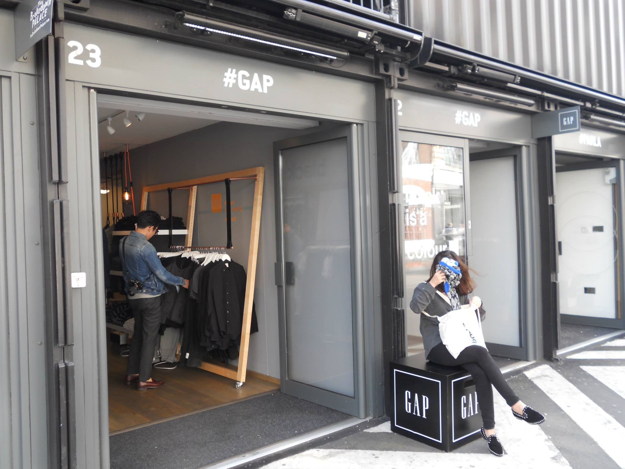 Gap-backing-black-boxpark-emplacement